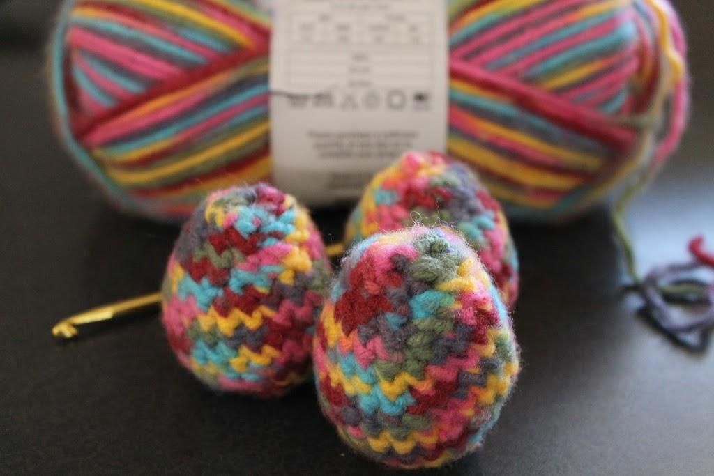 Crochet Easter Eggs ? Dragonfly Designs