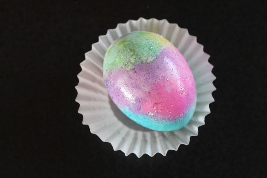 Sponge Painting Easter Eggs
