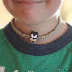 Super Hero Hemp Necklace ~ Tutorial