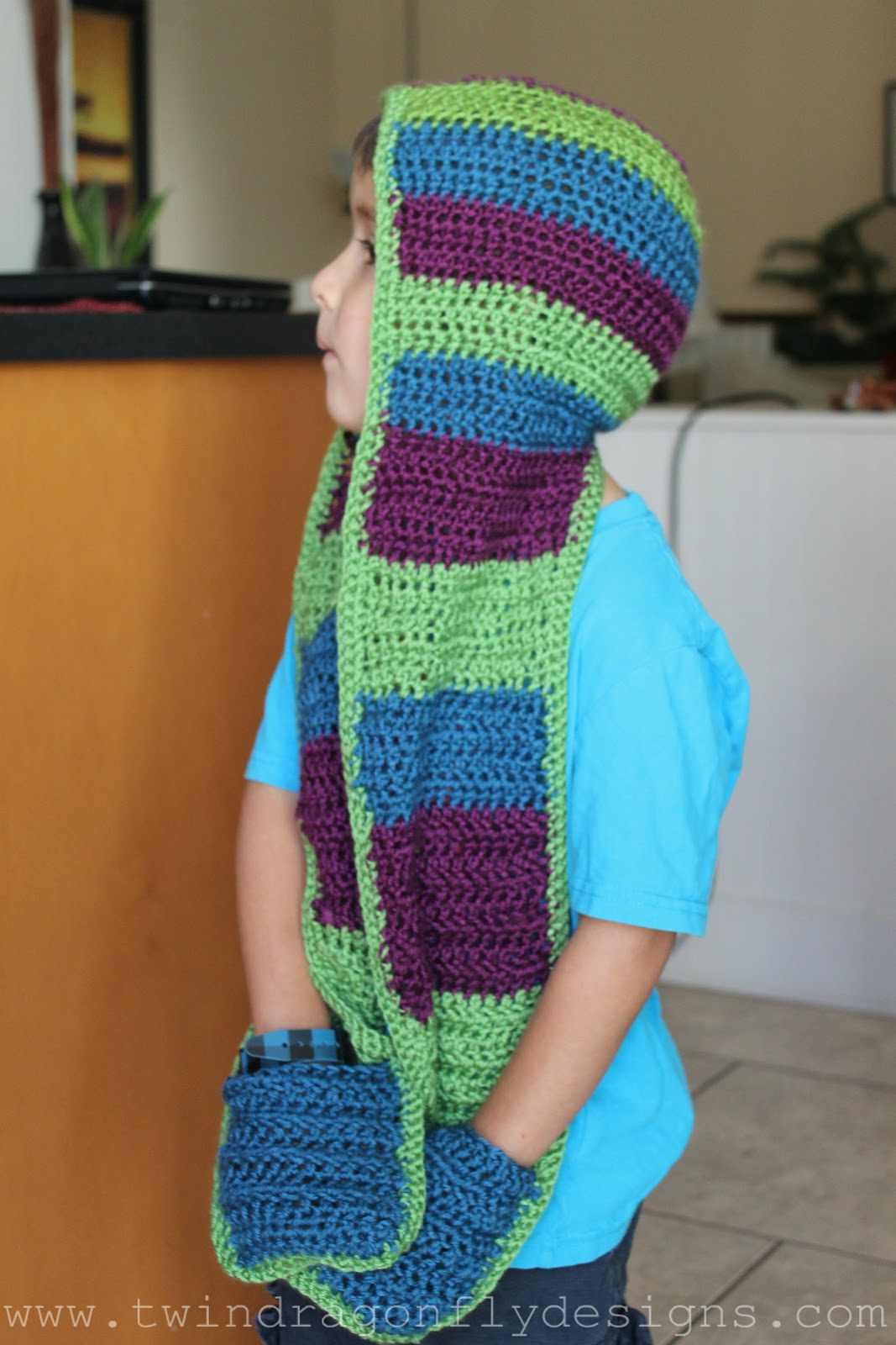 hooded scarf: NEW 508 HOODED SCARF WITH POCKETS CROCHET PATTERN