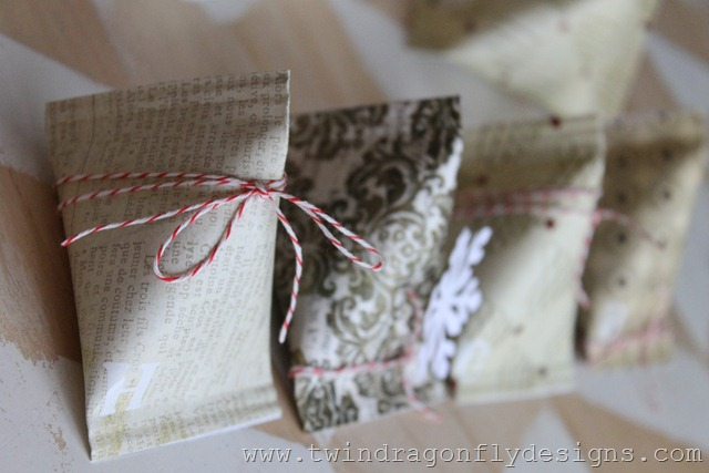 Sour Cream Container Advent Place Setting (17)