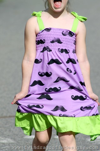 The Moustache Dress ~ a tutorial