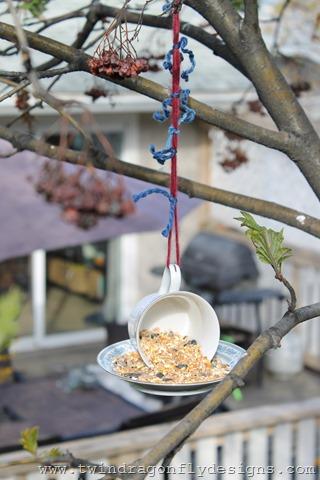 Tea Cup Bird Feeder (3)