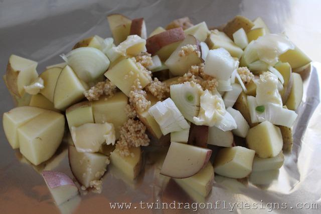 Tin Foil Packet Potatoes (3)