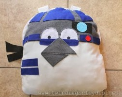 Angry-252520Bird-252520Star-252520Wars-252520R2D2-252520Costume-252520-2525281-252529_thumb-300x200