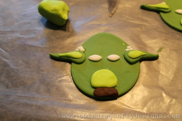 Angry Bird Star Wars Fondant Cupcake Toppers (20)