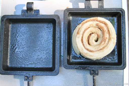 Camp Cooker Cinnamon Buns (5)
