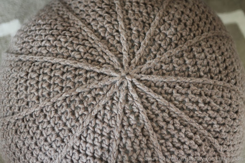 Crochet Floor Pouf Pattern (5)_thumb