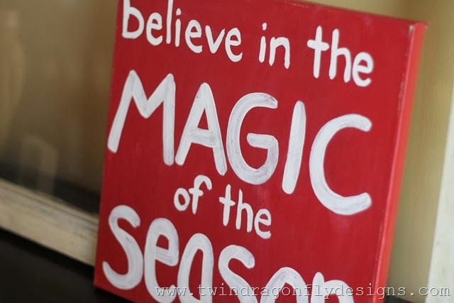 DIY Christmas Canvas Sign