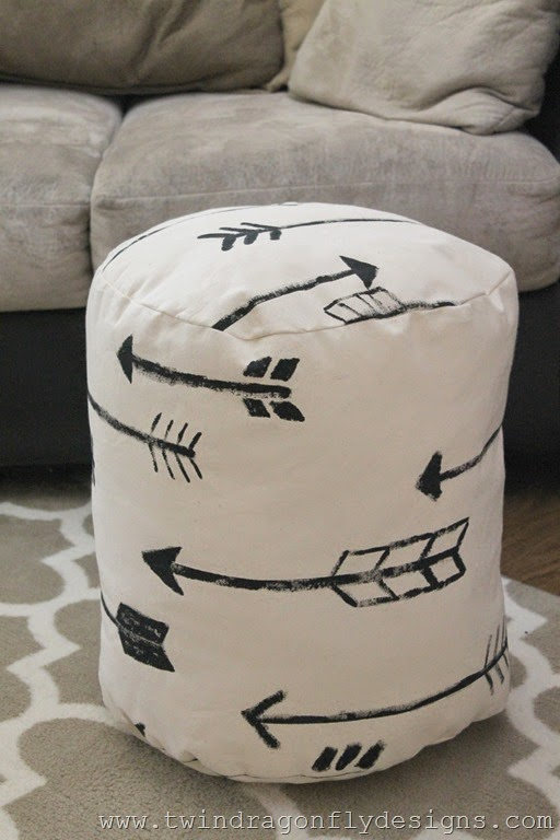 DIY arrow floor pouf (19)_thumb