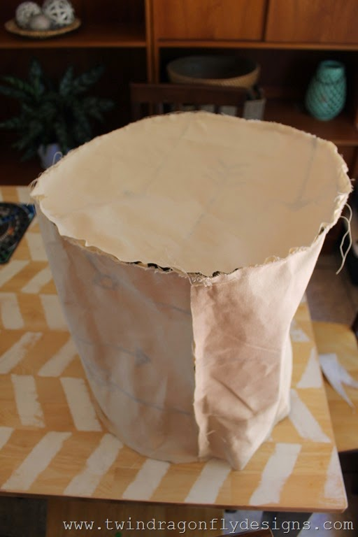 DIY arrow floor pouf (1)_thumb