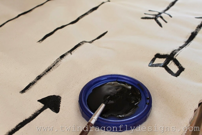 DIY arrow floor pouf (6)_thumb[1]