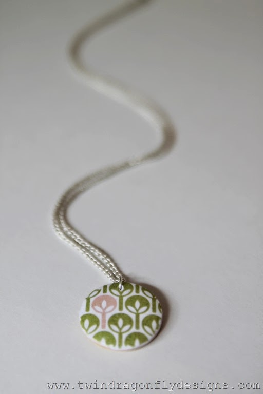Decoupage Wooden Pendant (43)_thumb