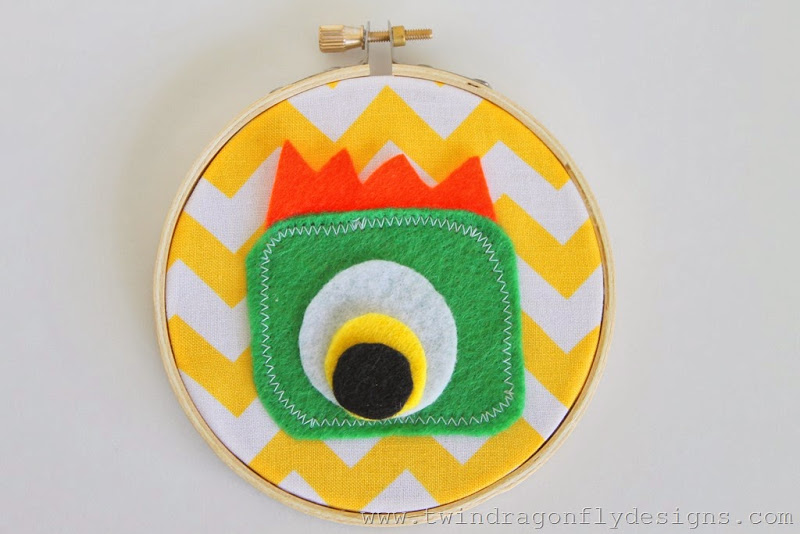 Monster Embroidery Hoop (17)_thumb[1]