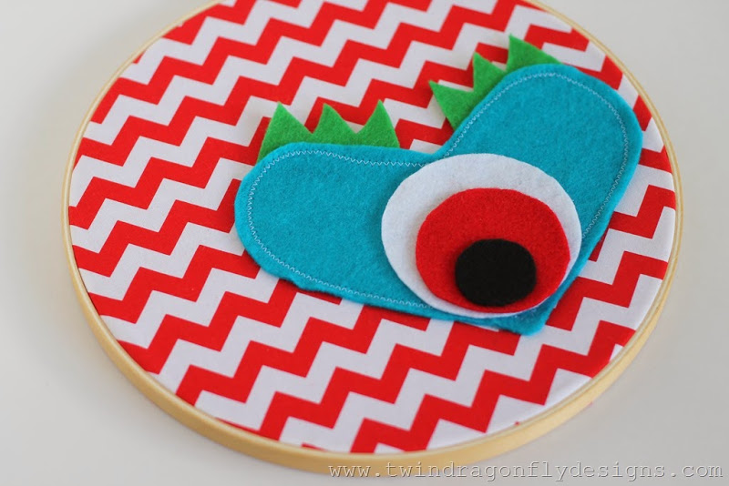 Monster Embroidery Hoop (1)_thumb[1]