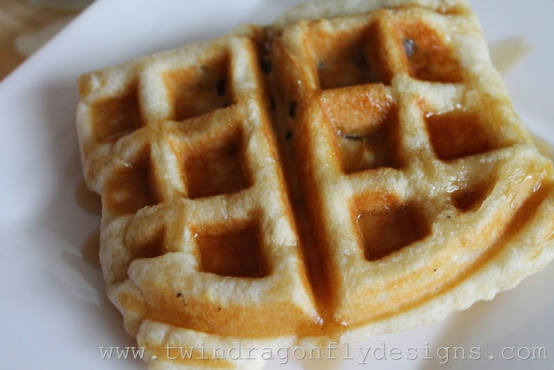 Waffle Iron Apple Strudle (10)_thumb[1]