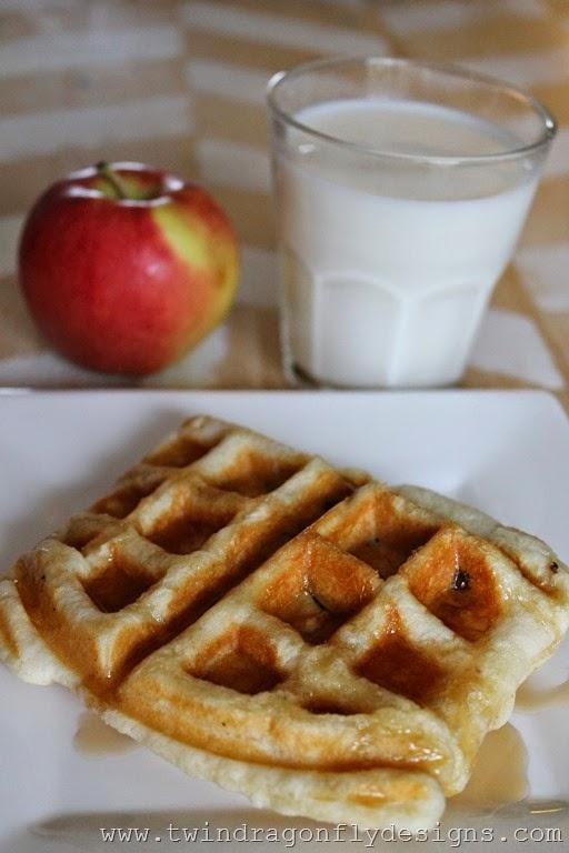 Waffle Iron Apple Strudle (8)_thumb
