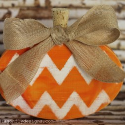 Wooden Chevron Pumpkin-006