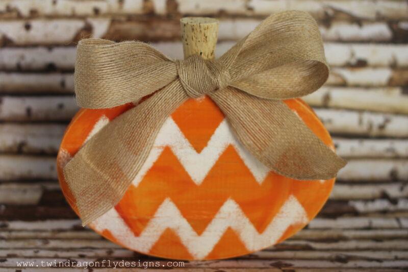 Wooden Chevron Pumpkin-006