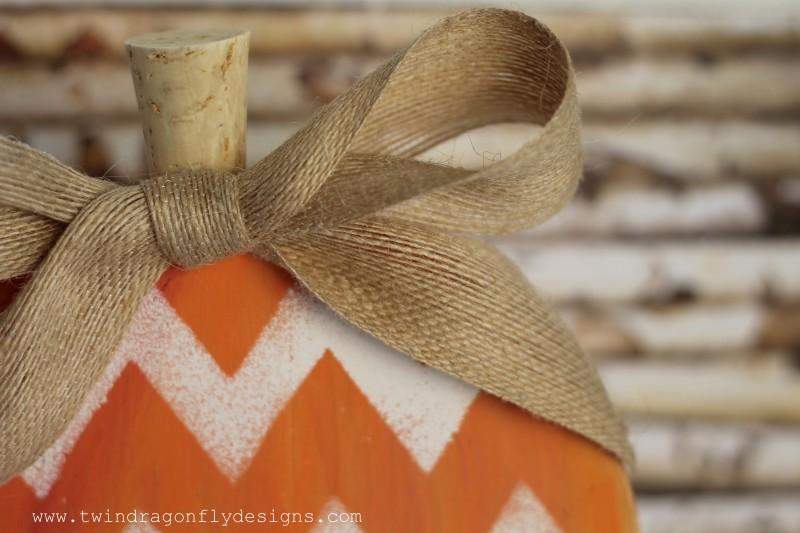 Wooden Chevron Pumpkin-009