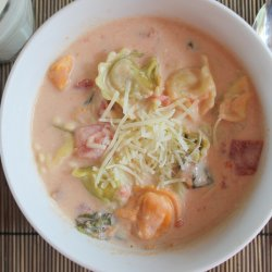 Slow Cooker Tortellini Soup-012