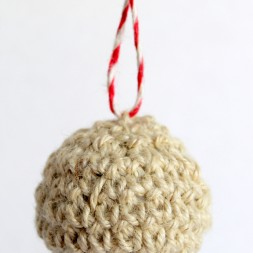 Crochet Ball Ornament-004