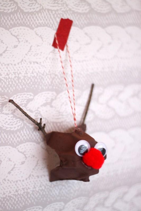 egg carton reindeer-008