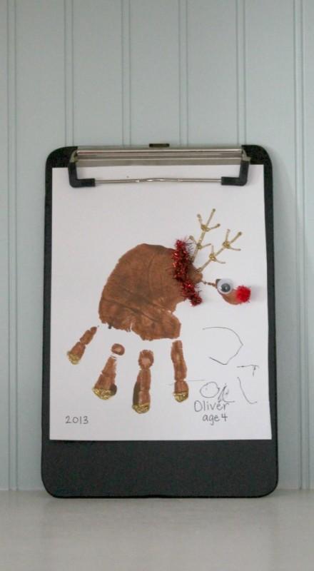 Reindeer-handprint-art
