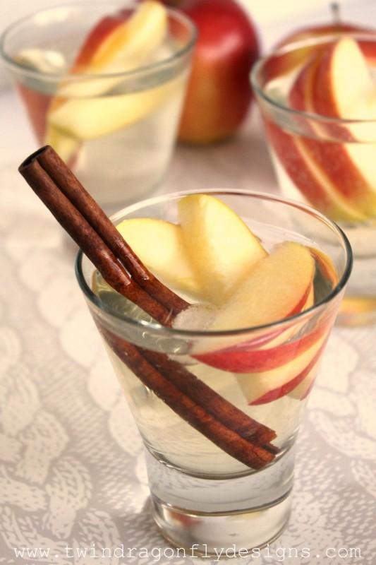 Sparkling Apple Mocktail