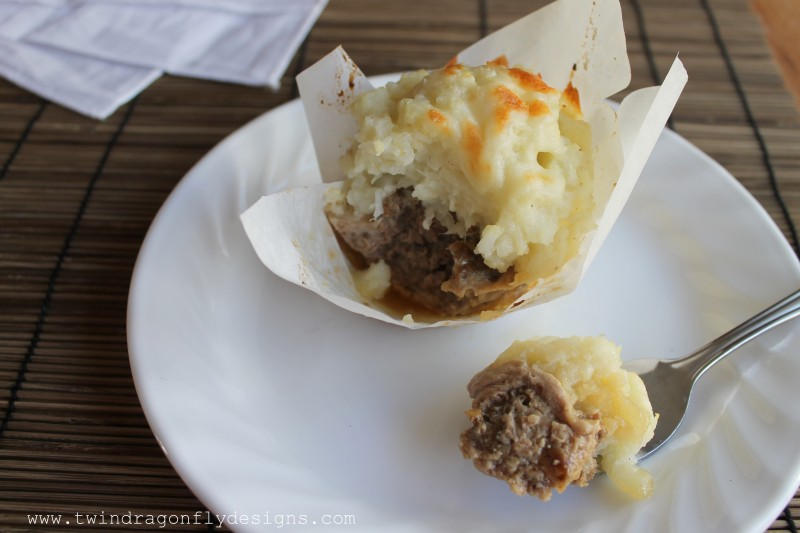 Cheesy Meatloaf and Mashed Cauliflower Cups-006