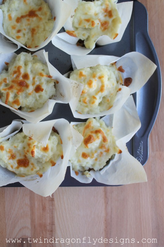 Cheesy Meatloaf and Mashed Cauliflower Cups-010