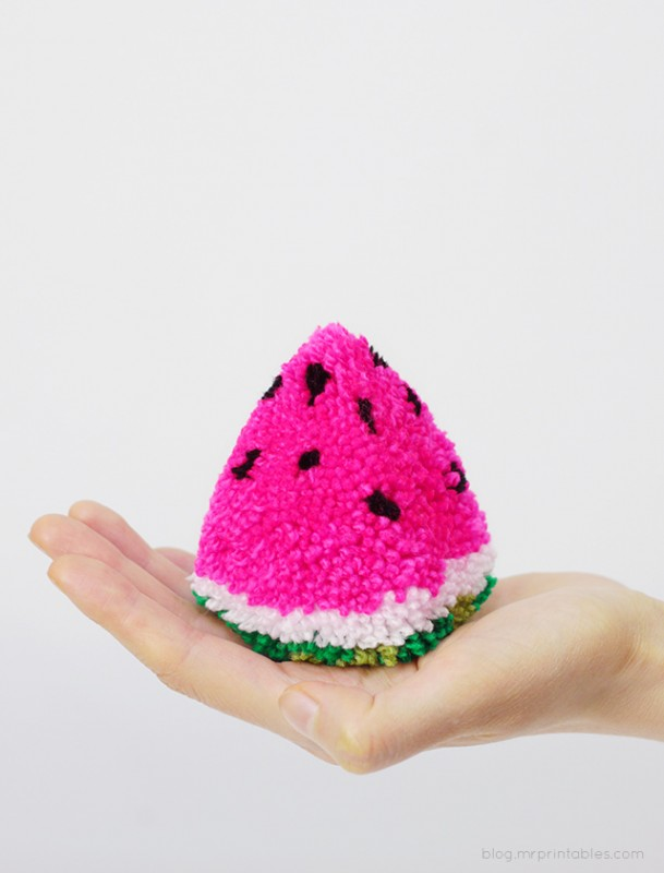 mrprintables-watermelon-pompom
