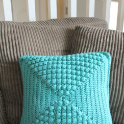 Crochet Bubble Pillow & Giveaway