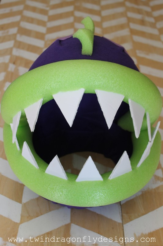 Plants vs Zombies Chomper Zombie Costume DIY Tutorial-010