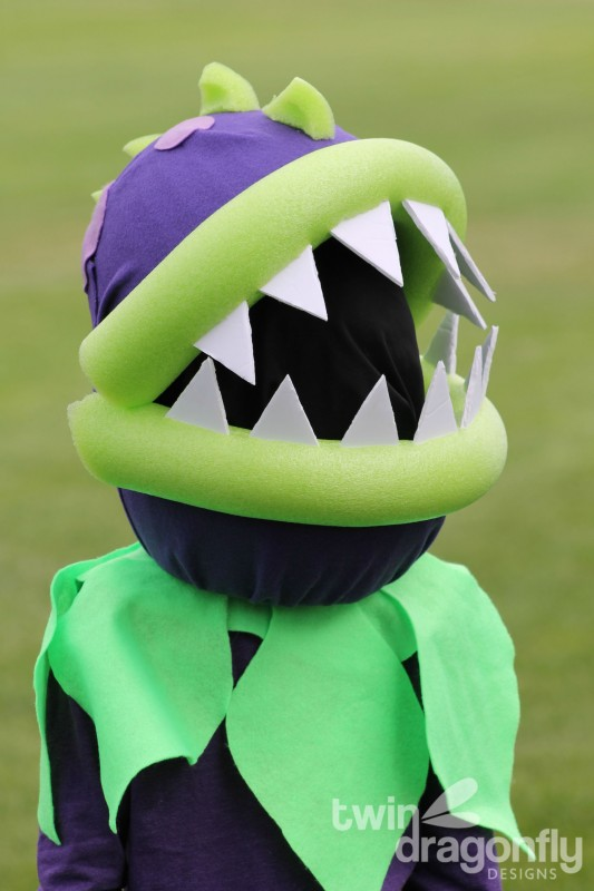 Plants vs Zombies Chomper Zombie Costume DIY Tutorial-030