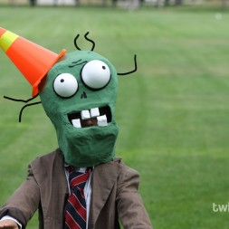 Plants vs Zombies Chomper Zombie Costume DIY Tutorial-040