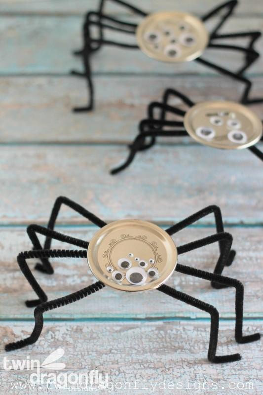 Snap Lid Spider Craft