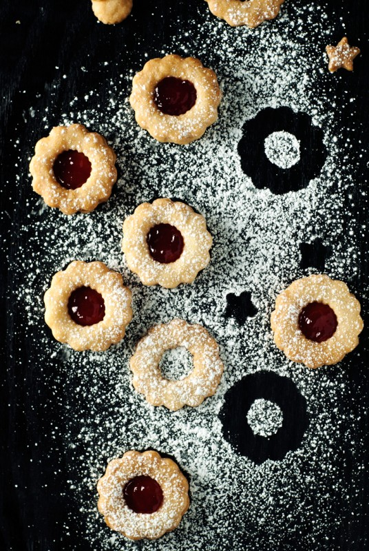 Simple-Spiced-Linzer-Cookies-9