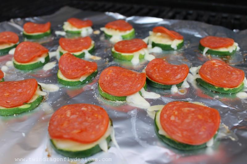 Grilled Zucchini Pizza Bites-005