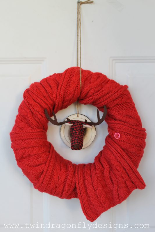 simple-holiday-scarf-wreath-005