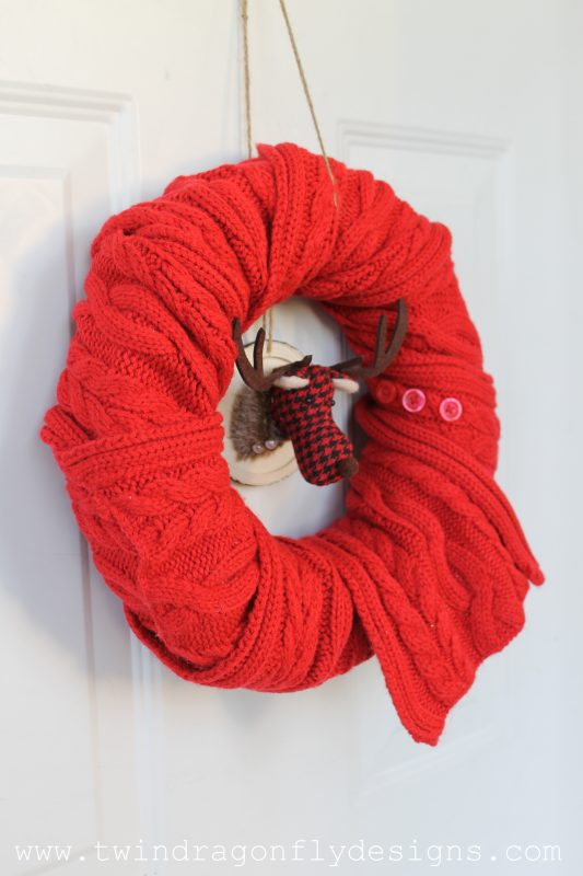 simple-holiday-scarf-wreath-013