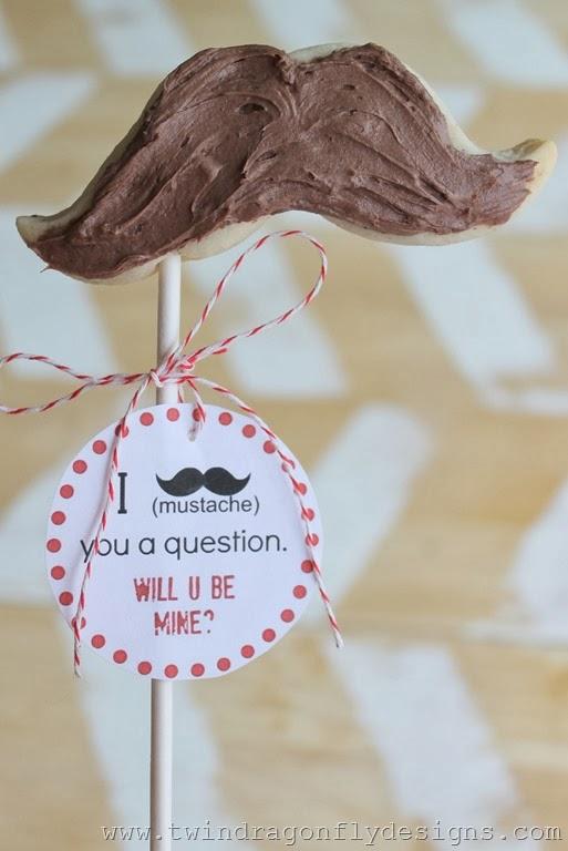 Valentine-Moustache-Cookies-4_thumb