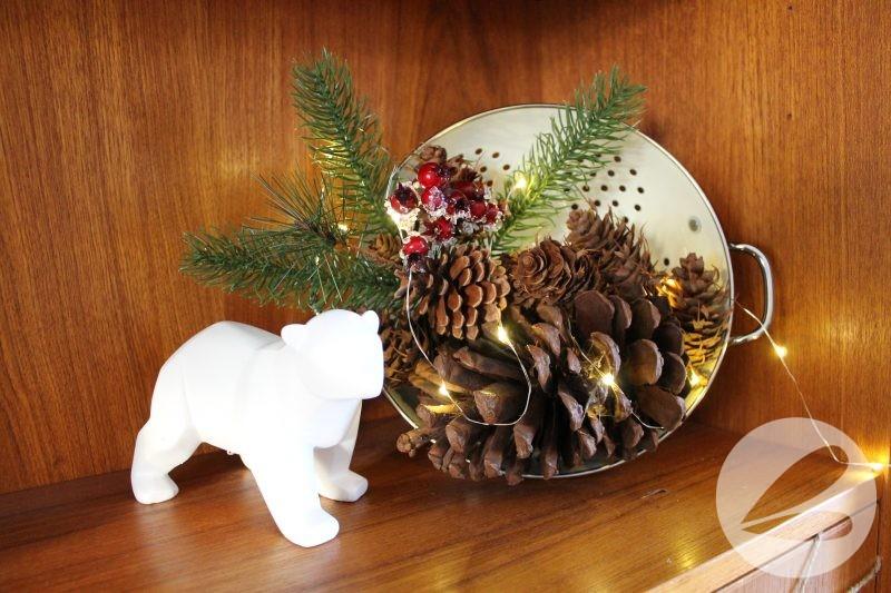 Holiday Shelf Decor