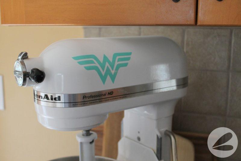 DIY Vinyl Wonder Woman Logo