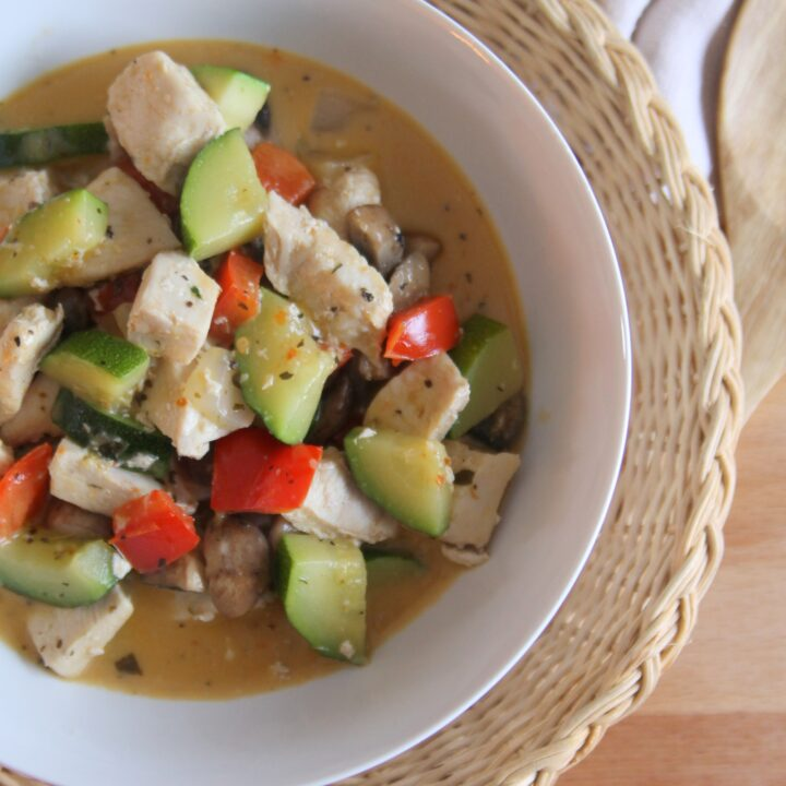 Easy Keto Curry Chicken Recipe