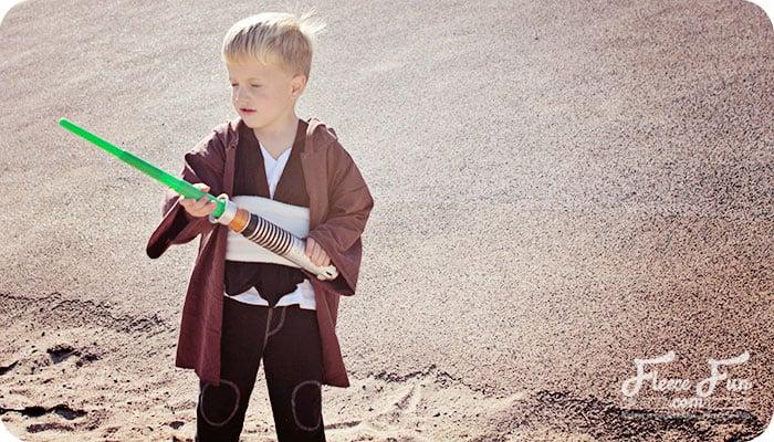 Easy Jedi DIY Costume Tutorial - Beginner Friendly