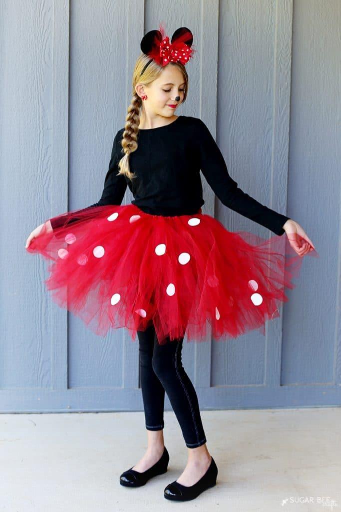DIY Minnie Mouse Costume (yep, NO sew!)