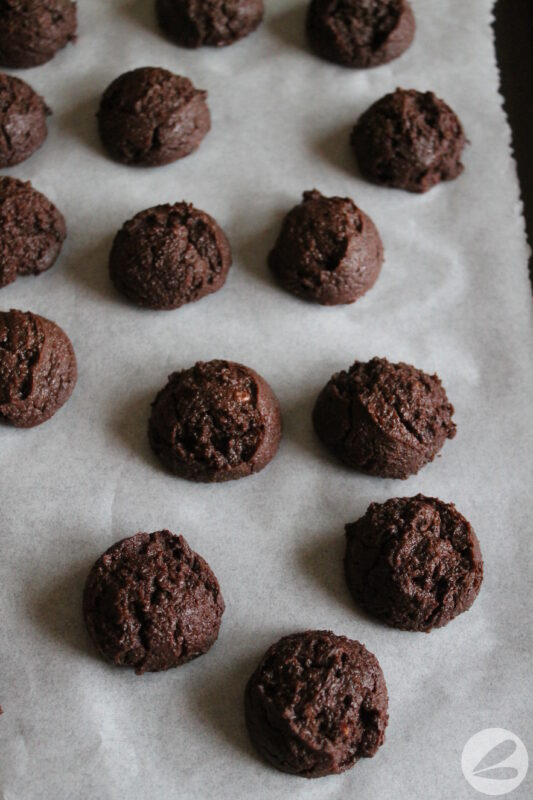 keto chocolate candy cane cookies