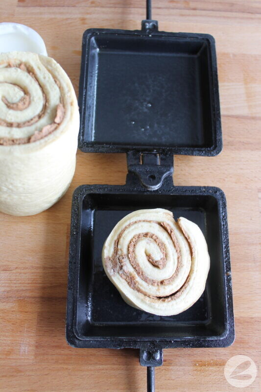camp cooker cinnamon buns