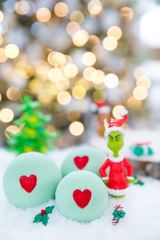 grinch bath bomb diy tutorial
